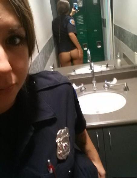 smotret-porno-v-sadu